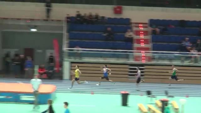 Patryk Wykrota Halowym Rekordzistą Ostrowa Wielkopolskiego w biegu na 200 m. – 21,84 s.!!!
