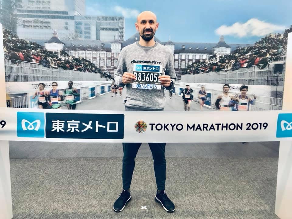 Prezes KS STAL LA – Marcin Grzegorowski realizuje swoje marzenia. Doskonały bieg PREZESA w Tokyo Marathon 2019 w Japonii