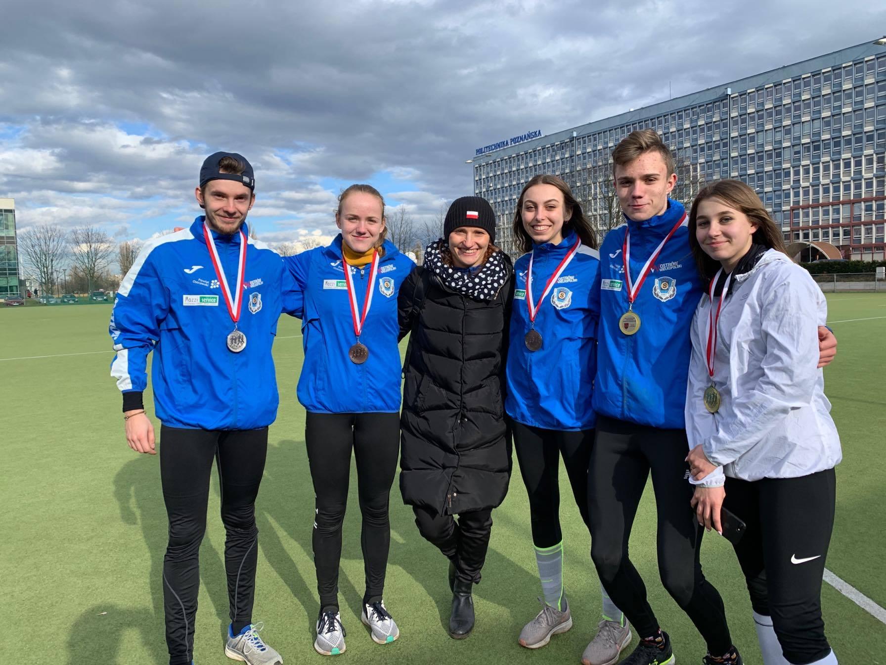 Pięć medali ostrowskich zawodników w Mistrzostwach Wielkopolski w Biegach Przełajowych