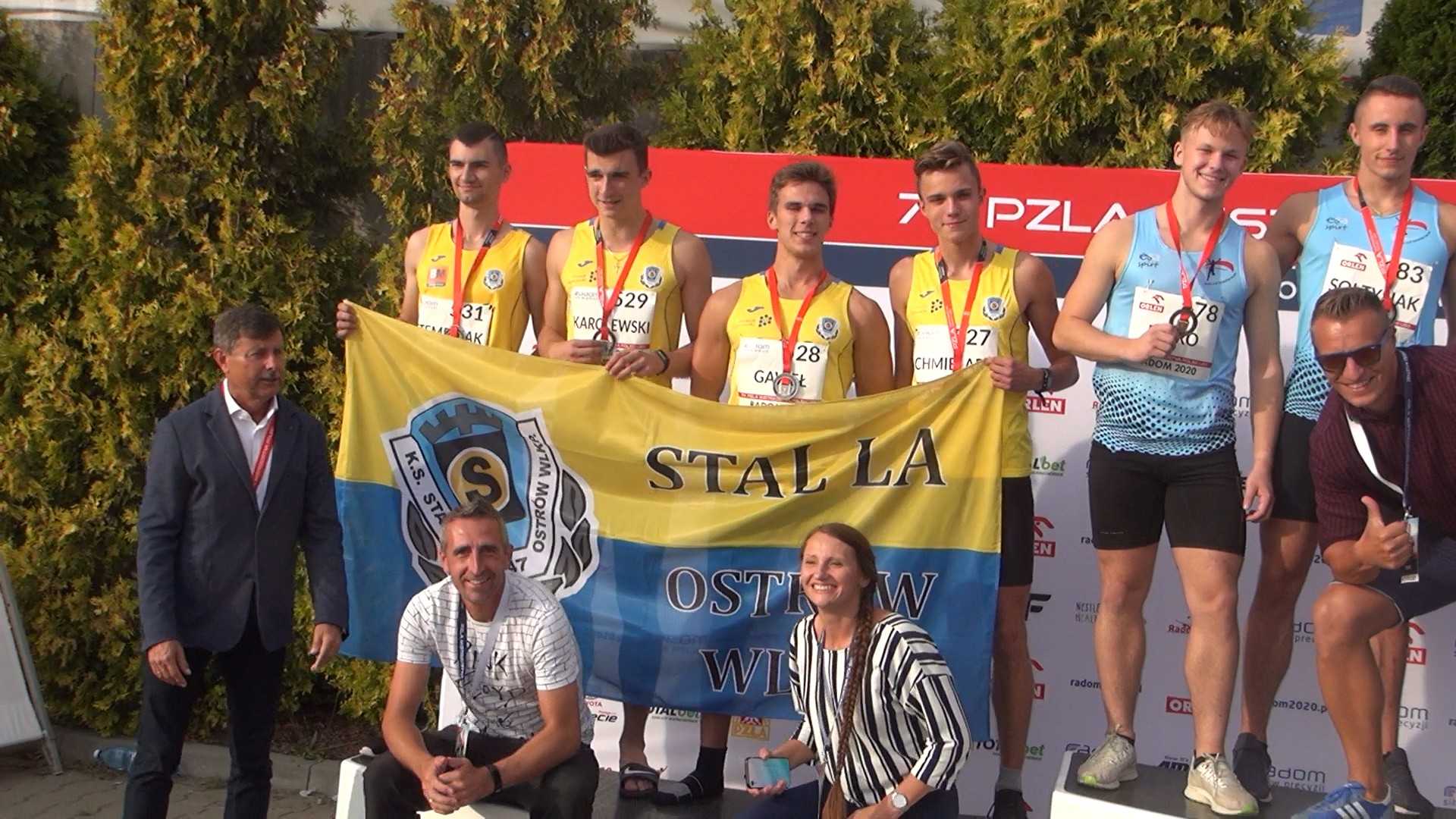 Sztafety 4×100 i 4×400 KS Stal LA Ostrów Wlkp. wróciły z Mistrzostw Polski U20 w Radomiu z dwoma medalami – srebrnym i brązowym. Przy okazji w sztafecie 4×400 m zawodnicy pobili 28 letni rekord Ostrowa Wielkopolskiego!!!